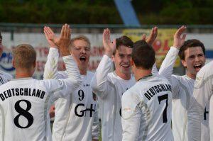 Teamgeist wird im Faustball groß geschrieben. (Bild: www.faustballbilder.de)