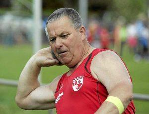Stößt und wirft fast alle Gewichte, die es in der Leichtathletik gibt: Manfred Erdmann (Bild: Foto Kara)